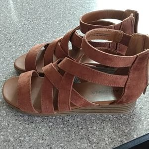 Arizona Jean Co sandals SZ 6M NWOT